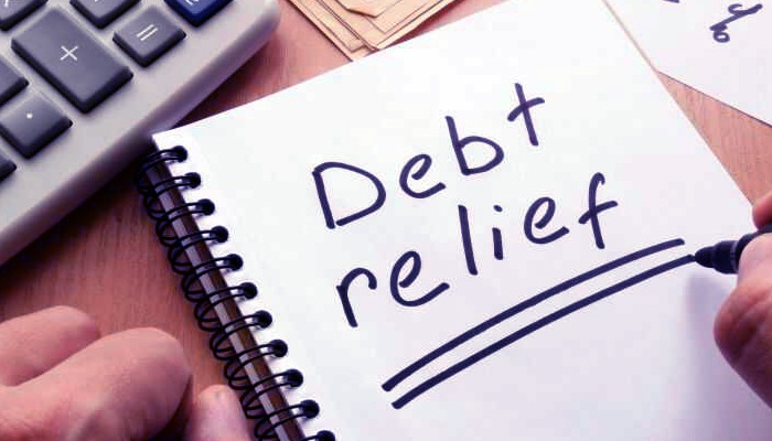 Photo of 6 Ways Getting Out Of Debt Is Like Losing Weight